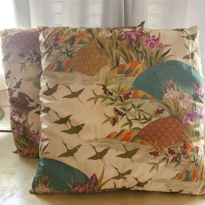 Sale! 2x Tropical Inspired Throw Pillows